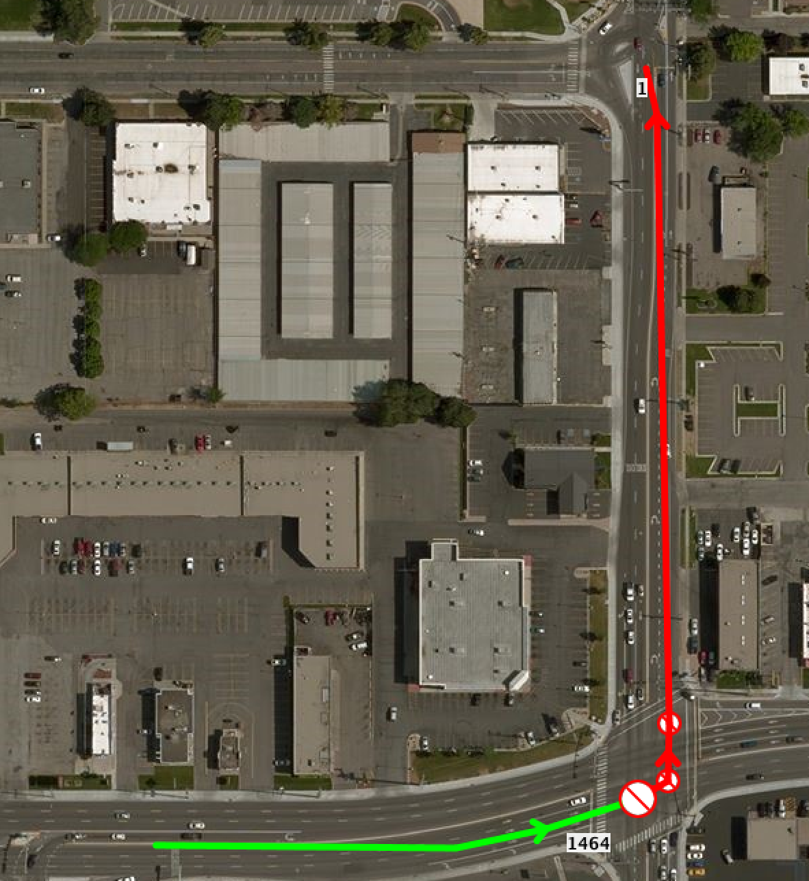 The new visualization of the missing turn restriction. The 'from' segment is green, the 'to' segment is red.